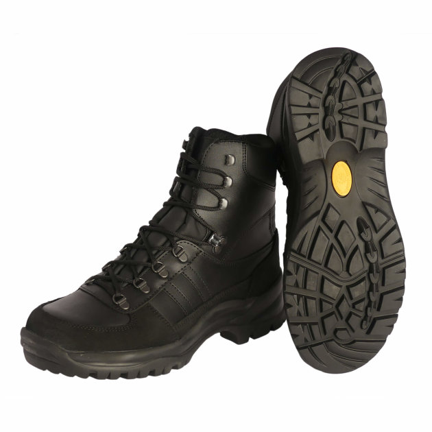Firefighter work shoes Tracking - Adi Everest, are high shoes made of black water-repellent cowhide, vapor-permeable textile lining, for firefighters and civil protection.