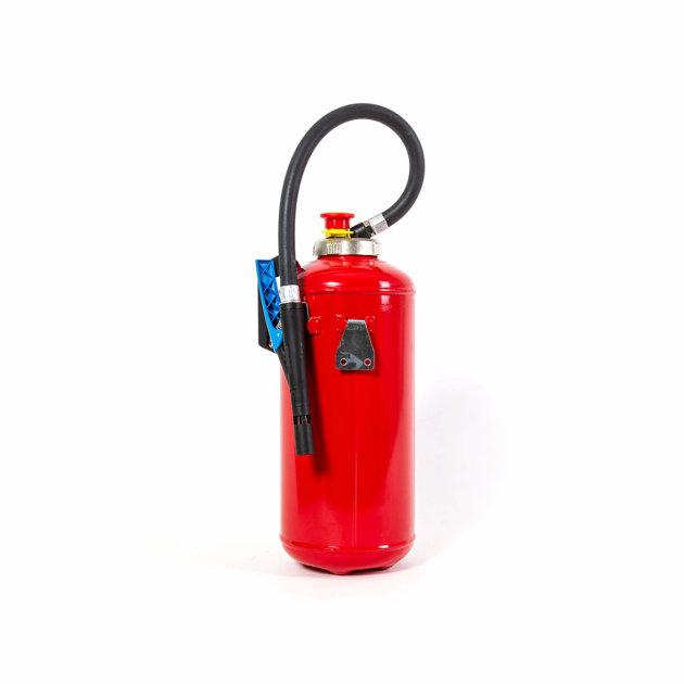 protupožarni-aparat-sa-pjenom-koja-spriječava-daljnji-razvoj-požara