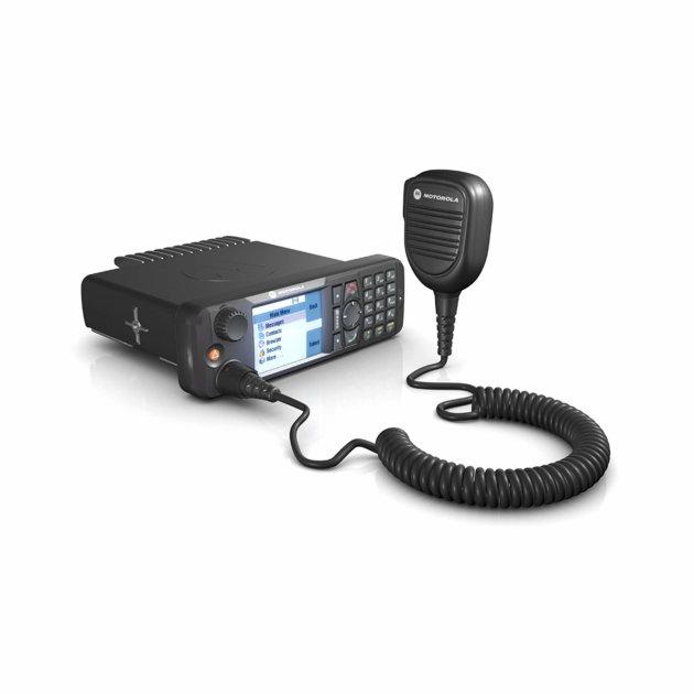 Mobilna radio stanica Motorola MTM5400 Tetra, digitalna, za ugradnju u vatrogasna i ostala vozila