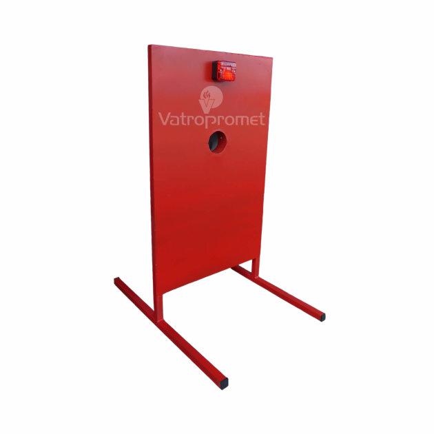 stalak-za-gađanje-mlazom-vode-koristi-se-na-vatrogasnom-natjecanju-mladeži.