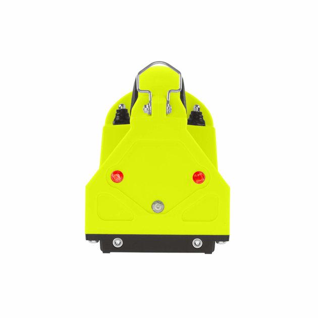 Vatrogasna ručna LED svjetiljka za vatrogasne intervencije. Punjiva sa pomičnom glavom za pozicioniranje osvjetljenja.